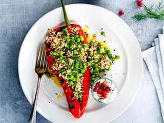 Gegrilde puntpaprika met quinoa en knoflook-dilleyoghurt